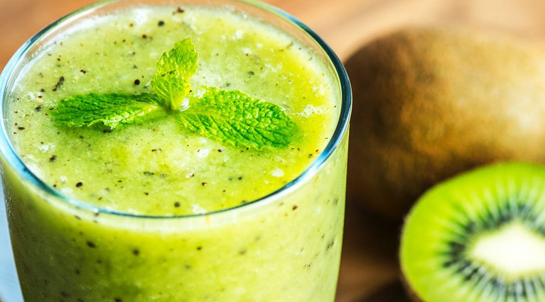Pineapple Maqui Berry And Kiwi Antioxidant Smoothie Cardiosmile